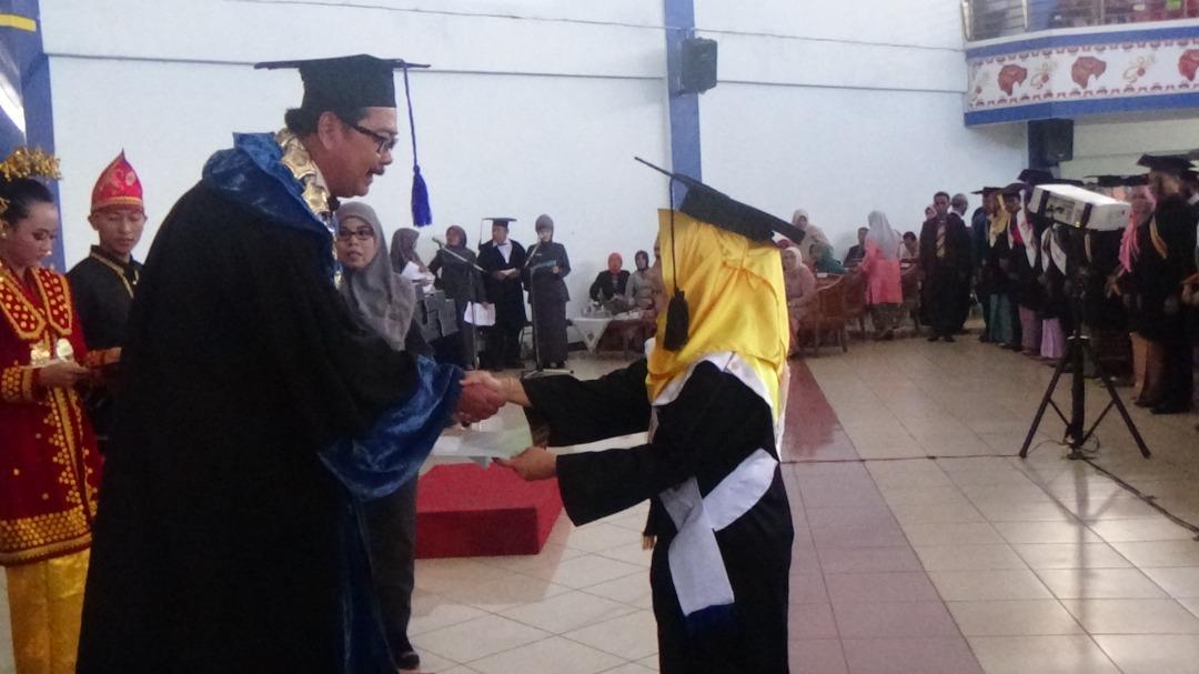 lulusan terbaik UNIB