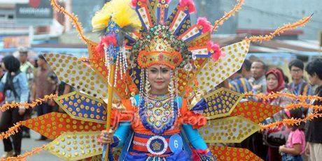 Viral !! karnaval Batik Besurek 2017 jadi Trending Topic Indonesia nomor 2